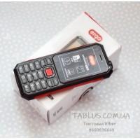 Телефон - вездеход (пыле-влаго защищенный по IP67) ERGO Defender